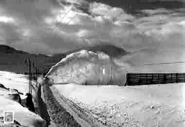 Snöröjning av järnvägsspåret