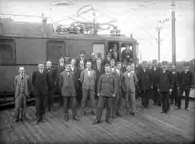 Grupp SJpersonal och tjänstemän kring 1920