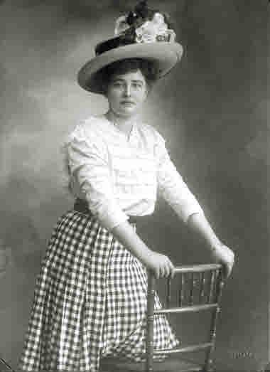 Kvinnoporträtt taget år 1909.