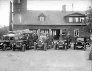 Kiruna Brandstation med ambulans och brandbilar.