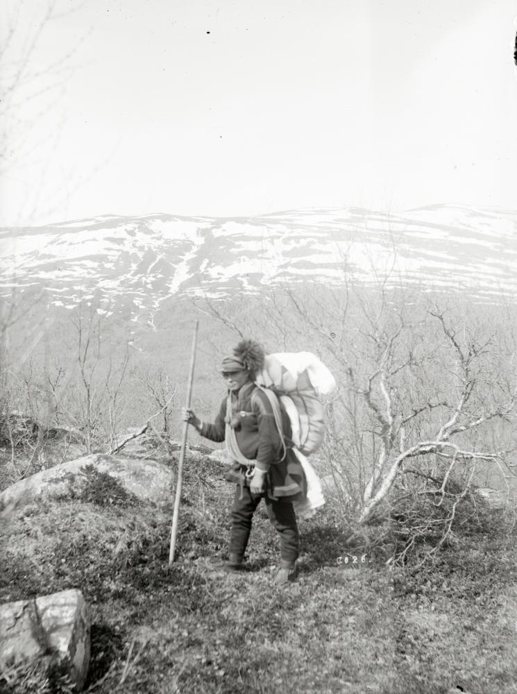 Per Nilsson Huuva med packning den 20 juni 1927.