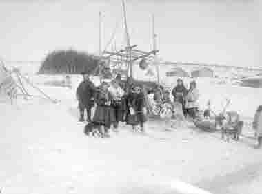 Samefamilj i Karasjokk år 1914.