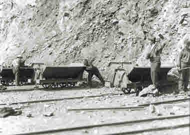 Handlastning i Kiirunavaara år 1920.